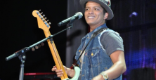 Bruno Mars puts on exceptional performance in Singapore concert